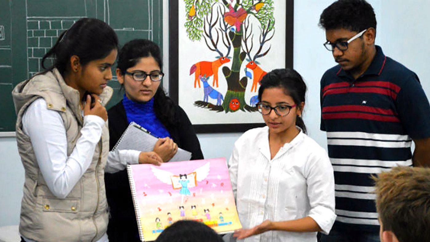 Art students from the Sarjana Academy.