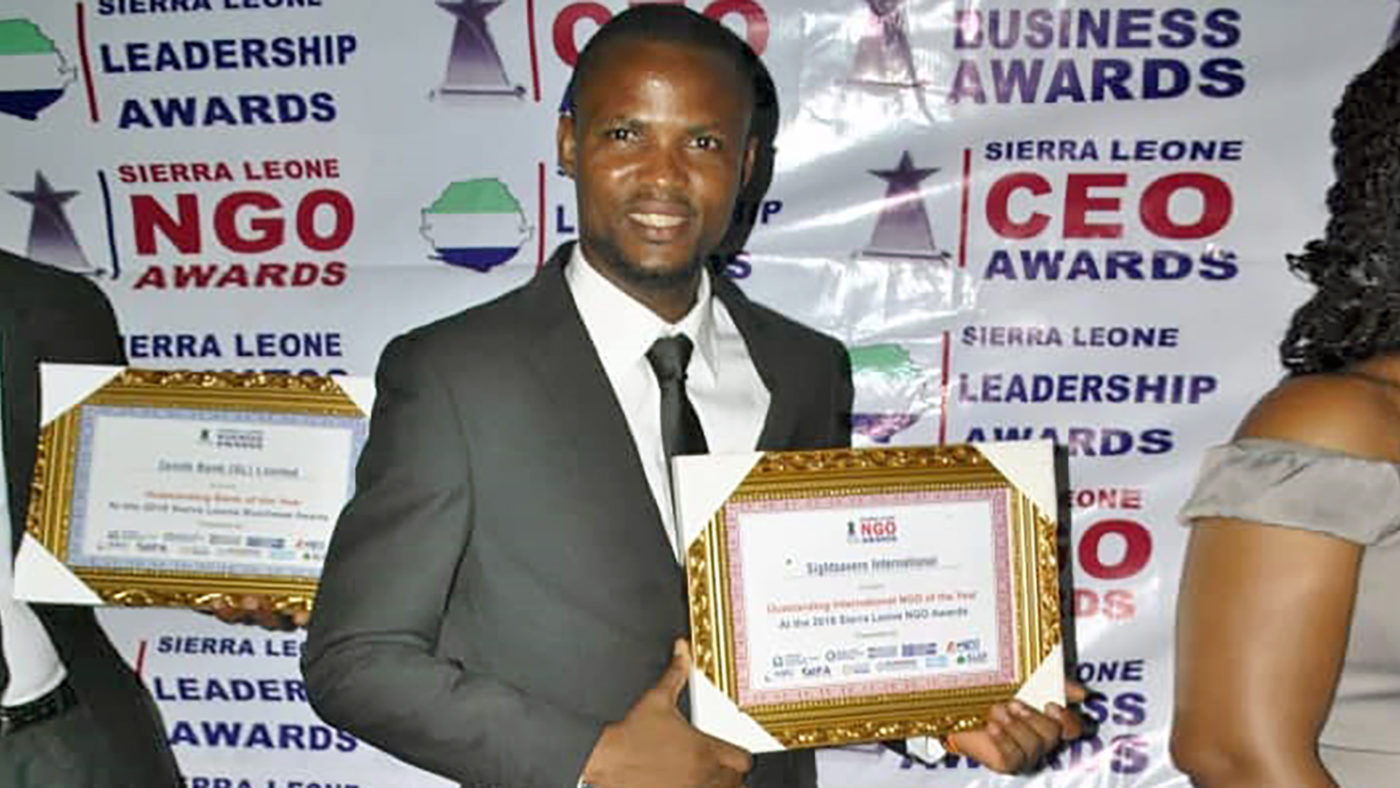Idrissa Kanjay with the award.